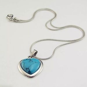 LOVELY TURQUOISE SILVER HEART NECKLACE